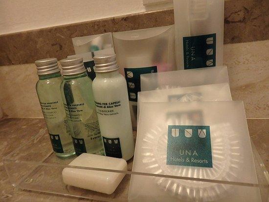 UNA Maison Milano: バスルームのアメニティ
