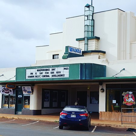 ‪Waimea Theater‬