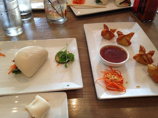 Co Banh Mi Noodles Bar: Steamed pork belly buns and chicken wontons