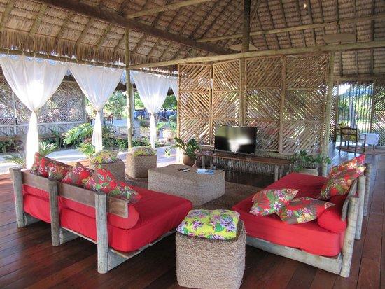 Rancho do Peixe: Lounge (sala de jogos e TV) - Não tem TV no bangalô !!! Sossego total...perfeito!