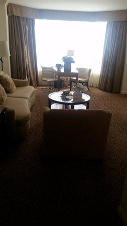 Four Seasons Hotel Houston: living area
