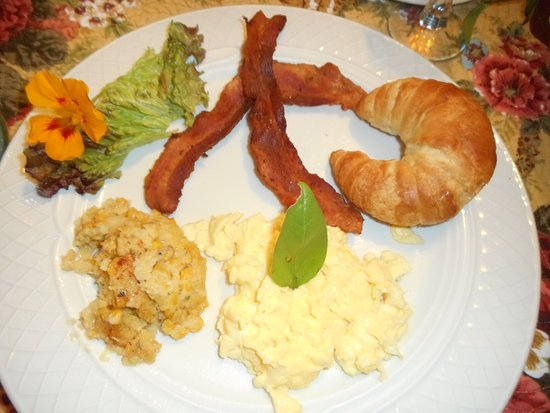 Berkeley Springs, WV: Edible flowers, homemade croissants, eggs & crispy bacon. We asked for small portions