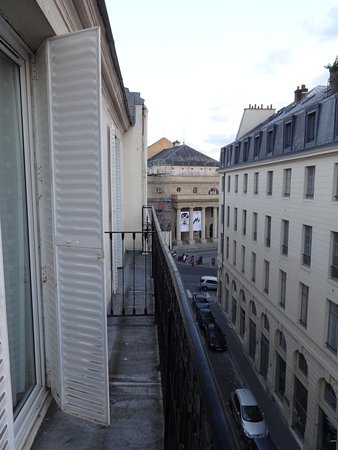 Grand Hotel des Balcons: The balconies are small, just nice for some fresh air.