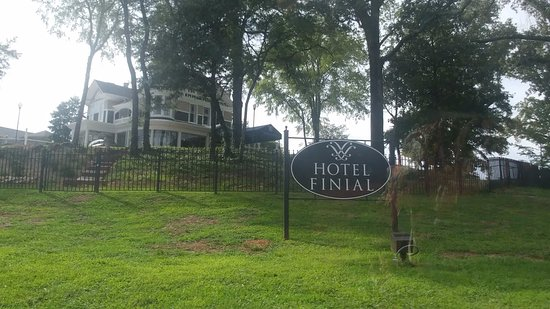 Anniston, AL: Hotel Finial