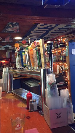 Loft Tavern : Cheers!