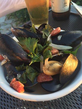 Camano Island, WA: Mussels with chorizo