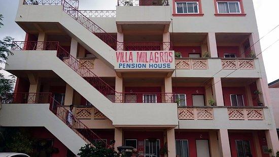 Villa milagros reviews photos philippines alaminos for Villa milagros