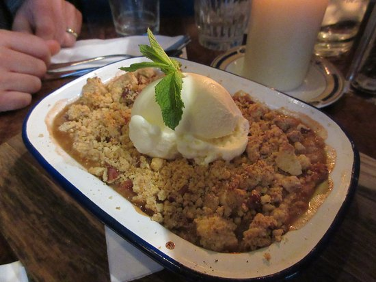 Bert's Bar: wow. Loved the crumble.