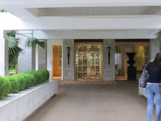 ITC Mughal, Agra: The Entrance Lobby is beautiful!!