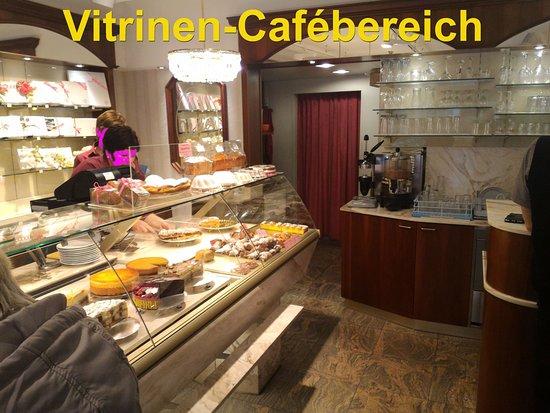 Konditorei - Cafe Valier : altbackenes Ambiente