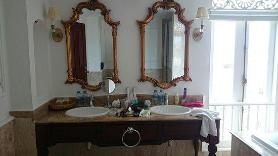 Dhavara Hotel: DSC_0115_large.jpg