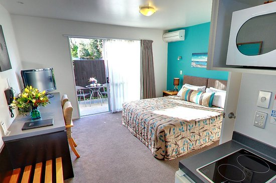 FYFFE on Riccarton Motor Lodge: Studio