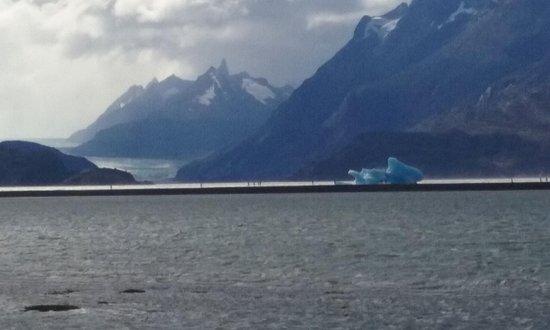 Glacier Grey : Lago gray - glaciar gray , puerto natales, Patagonia, Chile.