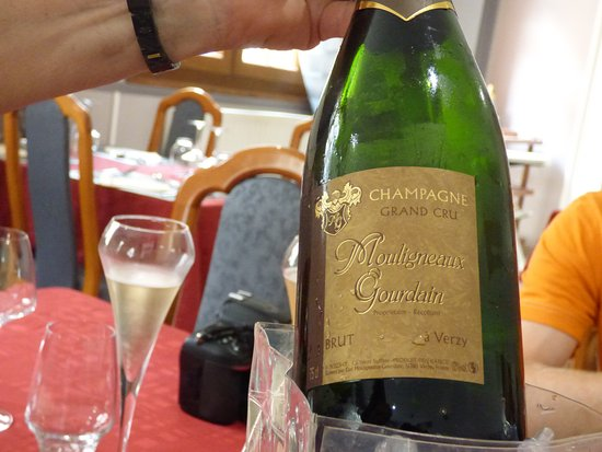 Au Chant des Galipes: Champagne of the month