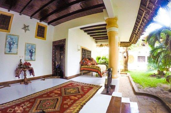 African House Resort : PSX_20160801_194741_large.jpg