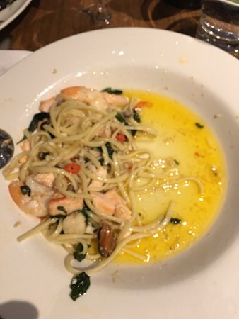 Brighton, Australia: Seafood Linguine with more oil than quality produce !
