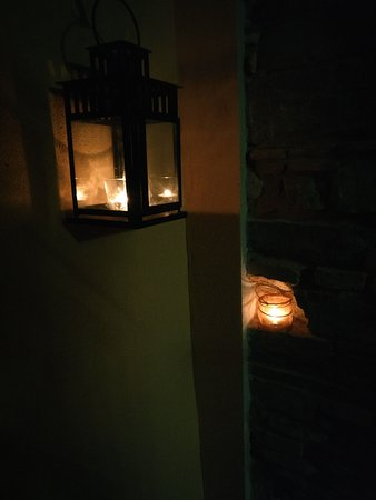 Bed and Breakfast Storico: Candle lit stairs.