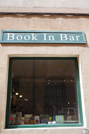 ‪Book In Bar‬
