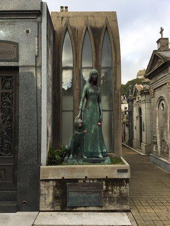 Túmulo de Liliana Crociati de Szaszak
