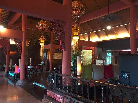 Siripanna Villa Resort & Spa: Reception area