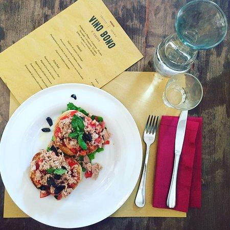 Vino Bono enoteca osteria: Freselle con tonno, pachino e olive