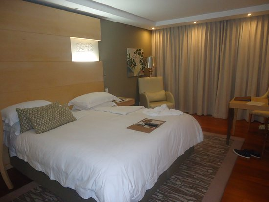 Vineyard Hotel: Room 311