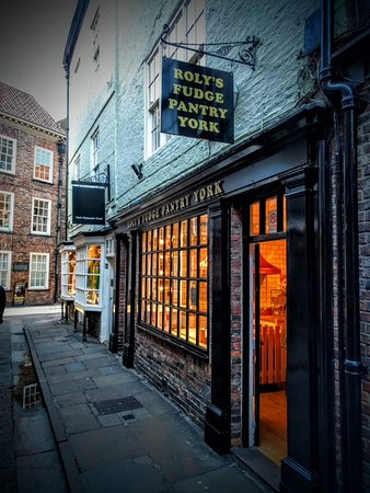 Roly's Fudge Pantry York