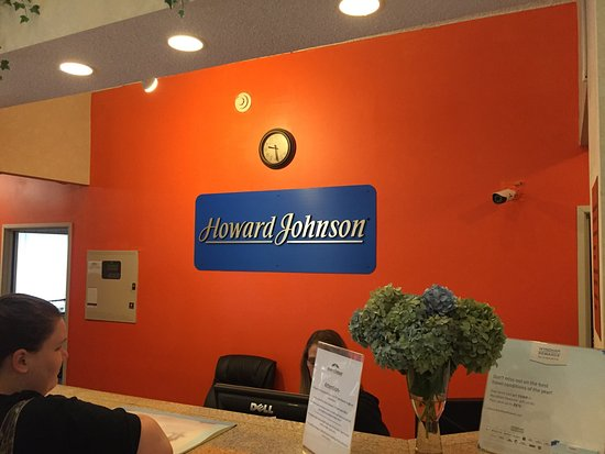 Howard Johnson Inn and Suites Vancouver by Vancouver Mall : photo1.jpg