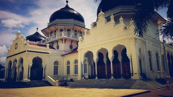 Foto De Baiturrahman Grand Mosque Banda Aceh Tampak Samping