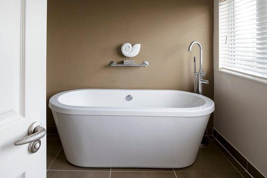 Boskerris Hotel: Bath