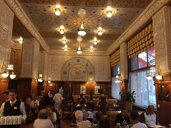 Art Deco Imperial: The best customer service, staff cannot do enough for you. Great spacious rooms and ace location