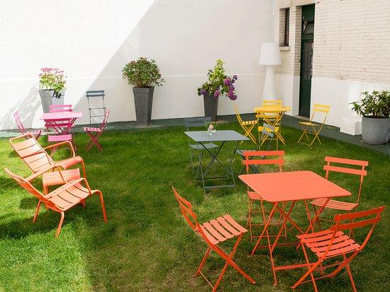 Hotel des Batignolles: Jardin