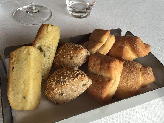 Monta, Italien: cestino del pane