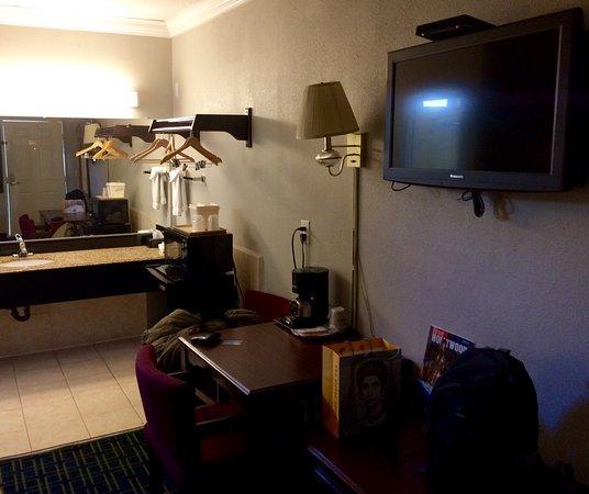 Rodeway Inn Hollywood: photo0.jpg