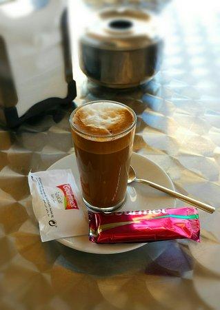 Restaurante Varadero: Cortado (Espresso mit Milch)