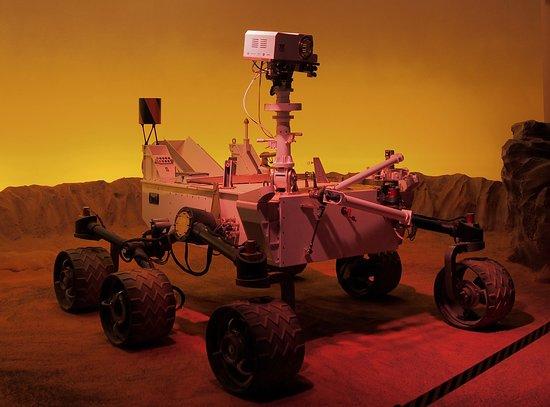 Cite de l'Espace: Curiosity replica!