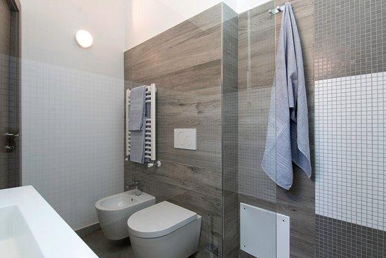 Hotel Eden: bagno camera comunicante