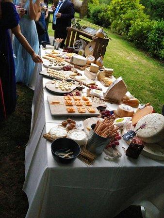 Restaurante Los Robles: Mesa de quesos para banquete de novios...éxito garantizado!!!!