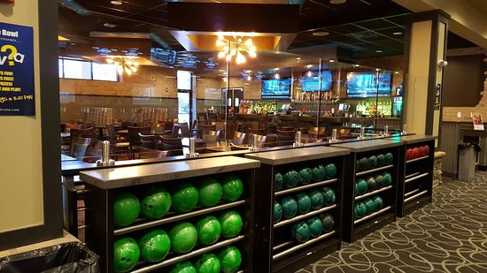 Ledgewood, NJ: Just a few pictures of the newly renovated Circle Bowl & Entertainment