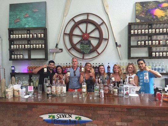 Τζορτζ Τάουν, Γκραντ Κέιμαν: My crew and the guys from Cayman Spirits Comp. Highlight of our trip. I MUST VISIT on your trip.