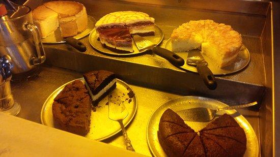 Auf der Au: Homemade cakes included