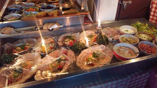 Auf der Au: Some nice salads on the buffet