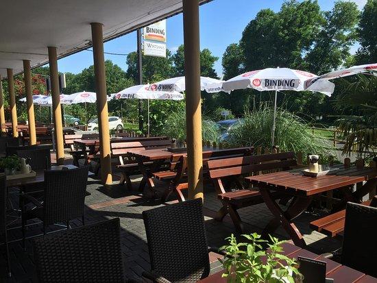 Maintal, Jerman: Terrasse