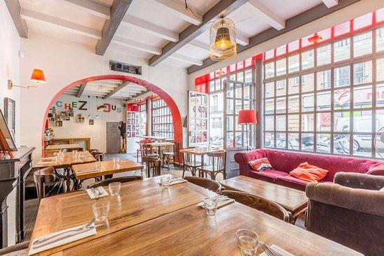 Restaurant cosy et déco originale photo de chez vous