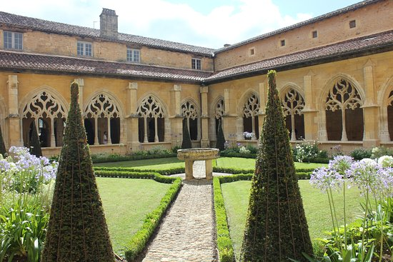 Jardin du clo tre de l 39 abbaye de cadouin picture of for Auberge du jardin edmundston