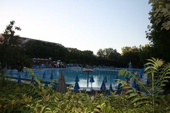 39 s avonds als de rust is wedergekeerd foto di piscine di acqui terme acqui terme tripadvisor - Piscina di acqui terme ...