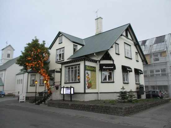 Ext rieur du restaurant picture of skolabru reykjavik for Exterieur restaurant