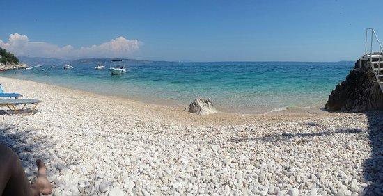 Nissaki, Yunani: Kaminaki Beach