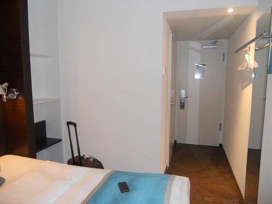 entrada y ascensores bild von motel one bremen bremen tripadvisor. Black Bedroom Furniture Sets. Home Design Ideas