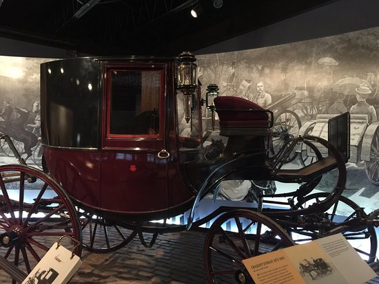 ‪Long Island Museum of American Art, History and Carriages‬